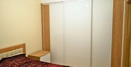 Szafy wnękowe z drzwiami przesuwnymi, meble na miarę, gerderoby